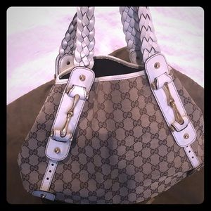 GUCCI Monogram Pelham Bag in EXCELLENT CONDITION